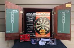 nib winmau cabinet w dartboard piranha darts